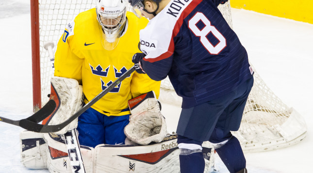 TORONTO, ON - JANUARY 05: Goaltender Linus Soderstrom #30 of Sweden defends the net against forward Patrik Koys #8 of Slovakia during the Bronze medal game of the 2015 IIHF World Junior Championship on January 05, 2015 at the Air Canada Centre in Toronto, Ontario, Canada. (Photo by Dennis Pajot/Getty Images)