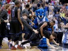 JACKSONVILLE, FL - MARCH 19:  R.J. Hunter #22 of the Georgia State Panthers celebrates after the Panthers win 57-56 against the Baylor Bears in the second round of the 2015 NCAA Men's Basketball Tournament at Jacksonville Veterans Memorial Arena on March 19, 2015 in Jacksonville, Florida.  (Photo by Mike Ehrmann/Getty Images)