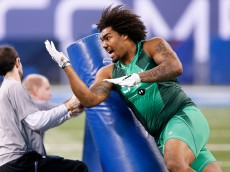 INDIANAPOLIS, IN - FEBRUARY 22: Defensive lineman Leonard Williams of USC competes during the 2015 NFL Scouting Combine at Lucas Oil Stadium on February 22, 2015 in Indianapolis, Indiana. (Photo by Joe Robbins/Getty Images)