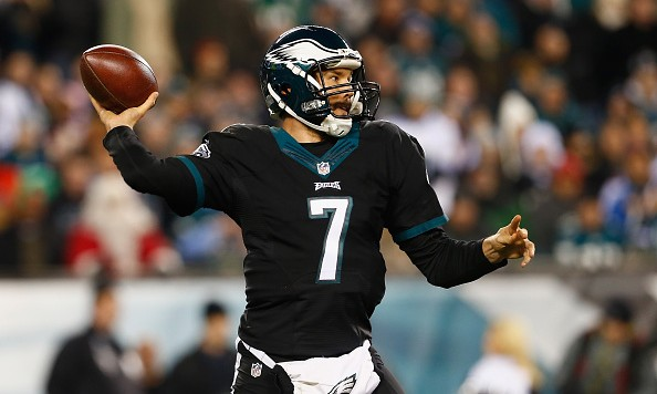 PHILADELPHIA, PA - DECEMBER 20:  Quarterback Sam Bradford #7 of the Philadelphia Eagles throws a pass against the Arizona Cardinals in the second quarter at Lincoln Financial Field on December 20, 2015 in Philadelphia, Pennsylvania.  (Photo by Rich Schultz/Getty Images)