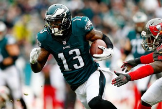 PHILADELPHIA, PA - NOVEMBER 22: Josh Huff #13 of the Philadelphia Eagles makes a long touchdown catch in the first quarter against the Tampa Bay Buccaneers at Lincoln Financial Field on November 22, 2015 in Philadelphia, Pennsylvania.  (Photo by Rich Schultz/Getty Images)