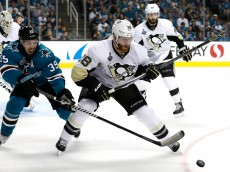 SAN JOSE, CA - JUNE 04:  Ian Cole #28 of the Pittsburgh Penguins in action against Logan Couture #39 of the San Jose Sharks in Game Three of the 2016 NHL Stanley Cup Final at SAP Center on June 4, 2016 in San Jose, California.  (Photo by Christian Petersen/Getty Images)