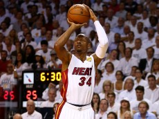 MIAMI, FL - JUNE 12:  Ray Allen #34 of the Miami Heat takes a shot against the San Antonio Spurs during Game Four of the 2014 NBA Finals at American Airlines Arena on June 12, 2014 in Miami, Florida. NOTE TO USER: User expressly acknowledges and agrees that, by downloading and or using this photograph, User is consenting to the terms and conditions of the Getty Images License Agreement.  (Photo by Andy Lyons/Getty Images)