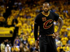 OAKLAND, CA - JUNE 19:  LeBron James #23 of the Cleveland Cavaliers reacts to a play in Game 7 of the 2016 NBA Finals against the Golden State Warriors at ORACLE Arena on June 19, 2016 in Oakland, California. NOTE TO USER: User expressly acknowledges and agrees that, by downloading and or using this photograph, User is consenting to the terms and conditions of the Getty Images License Agreement.  (Photo by Ezra Shaw/Getty Images)