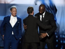 LOS ANGELES, CA - JULY 13: Honorees Abby Wambach (L) and Kobe Bryant (R) accept the Icon Award from recording artist Justin Timberlake onstage during the 2016 ESPYS at Microsoft Theater on July 13, 2016 in Los Angeles, California.  (Photo by Kevin Winter/Getty Images)