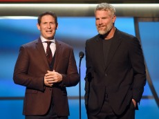 SAN FRANCISCO, CA - FEBRUARY 06: Former NFL players Steve Young (L) and Brett Favre speak onstage during the 5th Annual NFL Honors at Bill Graham Civic Auditorium on February 6, 2016 in San Francisco, California.  (Photo by Tim Mosenfelder/Getty Images)