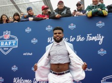 CHICAGO, IL - APRIL 28:  Draftee Ezekiel Elliott of Ohio State arrives to the 2016 NFL Draft on April 28, 2016 in Chicago, Illinois.  (Photo by Kena Krutsinger/Getty Images)