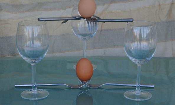 Balanced eggs