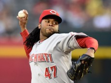 PHOENIX, AZ - MAY 31:  Johnny Cueto #47 of the Cincinnati Reds delivers a first inning pitch against the Arizona Diamondbacks at Chase Field on May 31, 2014 in Phoenix, Arizona.  (Photo by Norm Hall/Getty Images)