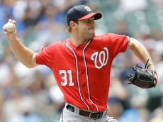 MILWAUKEE, WI - JUNE 14: Max Scherzer #31 of the Washington Nationals pitches during the first inning against the Milwaukee Brewers at Miller Park on June 14, 2015 in Milwaukee, Wisconsin. (Photo by Mike McGinnis/Getty Images)