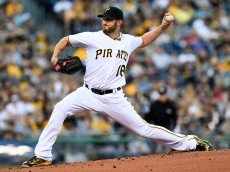 PITTSBURGH, PA - APRIL 16:  Jonathon Niese #18 of the Pittsburgh Pirates delivers a pitch in the first inning during the game against the Milwaukee Brewers at PNC Park on April 16, 2016 in Pittsburgh, Pennsylvania. (Photo by Justin Berl/Getty Images) *** Local Caption *** Jonathon Niese