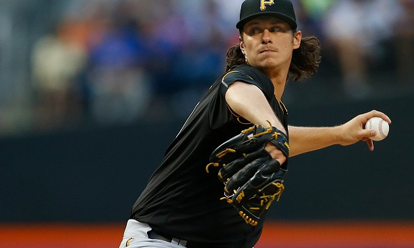 NEW YORK, NY - JUNE 15:  Pitcher Jeff Locke #49 of the Pittsburgh Pirates delivers a pitch against the New York Mets during the second inning of a game at Citi Field on June 15, 2016 in the Flushing neighborhood of the Queens borough of New York City. (Photo by Rich Schultz/Getty Images)