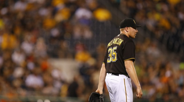 PITTSBURGH, PA - JUNE 20:  Mark Melancon #35 of the Pittsburgh Pirates stands on the mound in the ninth inning during the game against the San Francisco Giants at PNC Park on June 20, 2016 in Pittsburgh, Pennsylvania.  (Photo by Justin K. Aller/Getty Images)