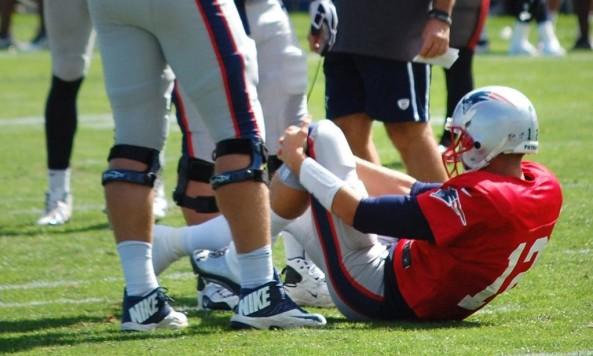 tom brady knee