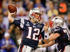 brady-throwing-super-bowl-xlvi