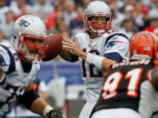 brady throwing bengals