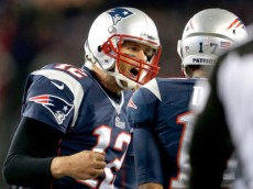 tom brady leading huddle