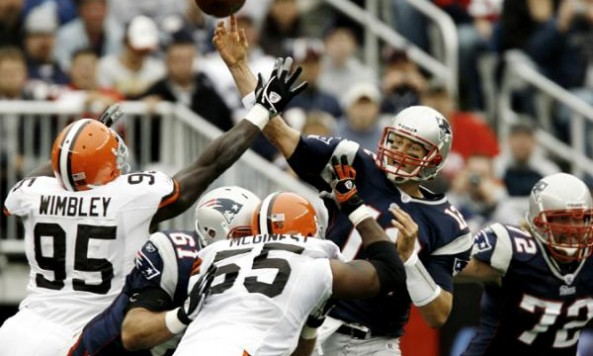 tom brady throwing browns