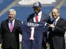 dominique easley kraft draft