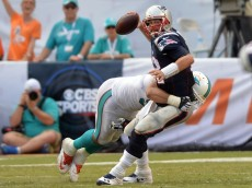 brady sacked by dolphins