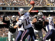 tom brady throwing raiders