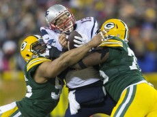 brady sacked packers