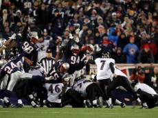 FOXBORO, MA - JANUARY 22:   Billy Cundiff #7 of the Baltimore Ravens miss a field goal late in the fourth quarter against the New England Patriots during their AFC Championship Game at Gillette Stadium on January 22, 2012 in Foxboro, Massachusetts.  (Photo by Elsa/Getty Images)