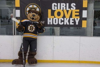 Bruins-Girls-Love-Hockey