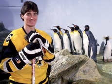Mario Lemieux with penguins