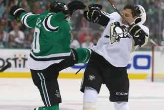 DALLAS, TX - OCTOBER 08:  Jason Spezza #90 of the Dallas Stars collides with David Perron #57 of the Pittsburgh Penguins in the first period at American Airlines Center on October 8, 2015 in Dallas, Texas.  (Photo by Tom Pennington/Getty Images)