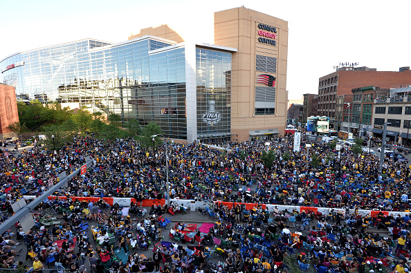 PITTSBURGH, PA - JUNE 09:  Fans gather outside Consol Energy Center to watch Game Five of the 2016 NHL Stanley Cup Final between the Pittsburgh Penguins and the San Jose Sharks on June 9, 2016 in Pittsburgh, Pennsylvania.  (Photo by Jamie Sabau/Getty Images)