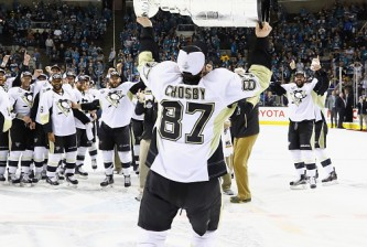 SAN JOSE, CA - JUNE 12:  Sidney Crosby #87 of the Pittsburgh Penguins celebrates with the Stanley Cup after their 3-1 victory to win the Stanley Cup against the San Jose Sharks in Game Six of the 2016 NHL Stanley Cup Final at SAP Center on June 12, 2016 in San Jose, California.  (Photo by Bruce Bennett/Getty Images)