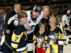 SAN JOSE, CA - JUNE 12: Matt Cullen #7 of the Pittsburgh Penguins celebrates with his family after a 3-1 victory over the San Jose Sharks in Game Six of the 2016 NHL Stanley Cup Final at SAP Center on June 12, 2016 in San Jose, California. The Pittsburgh Penguins defeat the San Jose Sharks 3-1. (Photo by Christian Petersen/Getty Images)