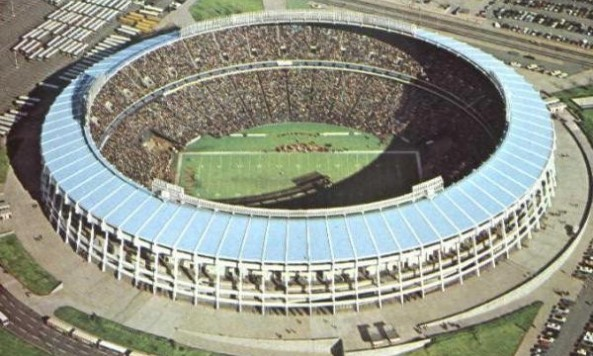 Atlanta_Stadium_football1