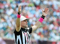 TAMPA, FL - OCTOBER 13: NFL referee Clete Blakeman signals a field goal as the Tampa Bay Buccaneers play against the Philadelphia Eagles October 13, 2013 at Raymond James Stadium in Tampa, Florida. The Eagles won 31 - 20. (Photo by Al Messerschmidt/Getty Images)