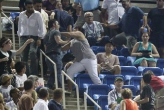 cytalk-us-open-2010-fans-fight-500x312