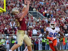 TALLAHASSEE, FL - NOVEMBER 29:  Nick O'Leary #35 of the Florida State Seminoles catches a touchdown during a game against the Florida Gators at Doak Campbell Stadium on November 29, 2014 in Tallahassee, Florida.  (Photo by Mike Ehrmann/Getty Images)