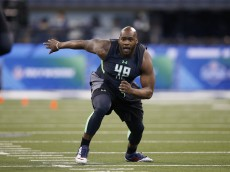 INDIANAPOLIS, IN - FEBRUARY 26: Offensive lineman Laremy Tunsil of Ole Miss participates in a drill during the 2016 NFL Scouting Combine at Lucas Oil Stadium on February 26, 2016 in Indianapolis, Indiana. (Photo by Joe Robbins/Getty Images)