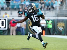 JACKSONVILLE, FL - DECEMBER 13:   Denard Robinson #16 of the Jacksonville Jaguars runs for yardage during the game against the Indianapolis Colts at EverBank Field on December 13, 2015 in Jacksonville, Florida.  (Photo by Sam Greenwood/Getty Images)
