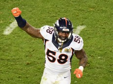 SANTA CLARA, CA - FEBRUARY 07:  Von Miller #58 of the Denver Broncos reacts against the Carolina Panthers during Super Bowl 50 at Levi's Stadium on February 7, 2016 in Santa Clara, California.  (Photo by Harry How/Getty Images)