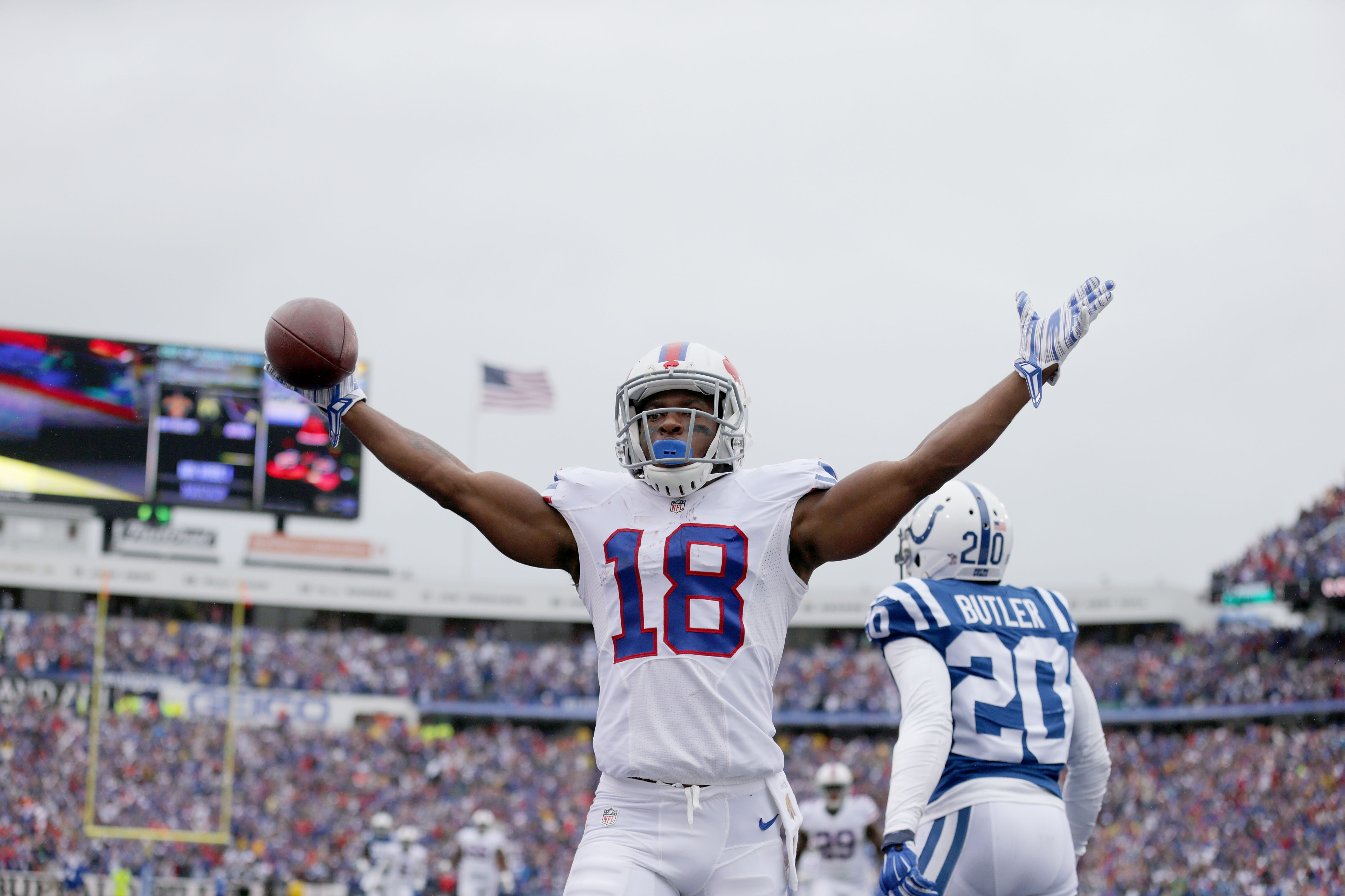 ORCHARD PARK, NY - SEPTEMBER 13:  Percy Harvin #18 of the Buffalo Bills celebrates his touchdown against the Indianapolis Colts during the first half at Ralph Wilson Stadium on September 13, 2015 in Orchard Park, New York.  (Photo by Brett Carlsen/Getty Images)