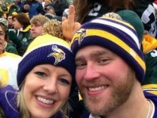 ugly packer photobomb