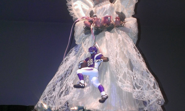 adrian peterson christmas tree
