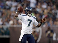 OAKLAND, CA - AUGUST 28:  Quarterback Tarvaris Jackson #7 of the Seattle Seahawks in action against the Oakland Raiders at O.co Coliseum on August 28, 2014 in Oakland, California.  (Photo by Ezra Shaw/Getty Images)