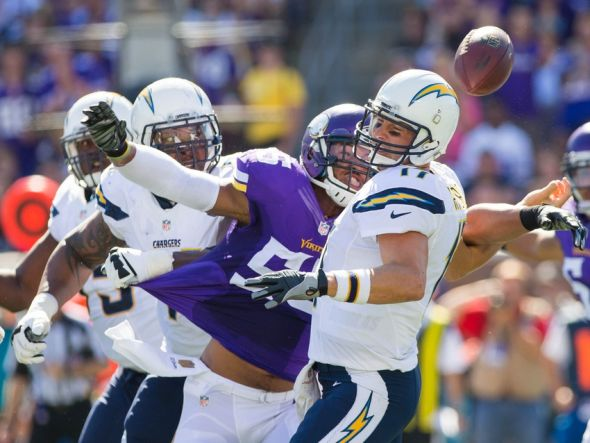 Philip-rivers-anthony-barr-nfl-san-diego-chargers-minnesota-vikings-590x900