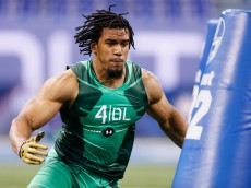 INDIANAPOLIS, IN - FEBRUARY 22: Defensive lineman Vic Beasley of Clemson competes during the 2015 NFL Scouting Combine at Lucas Oil Stadium on February 22, 2015 in Indianapolis, Indiana. (Photo by Joe Robbins/Getty Images)