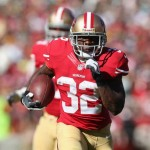 SAN FRANCISCO, CA - SEPTEMBER 08:  Running back Kendall Hunter #32 of the San Francisco 49ers carries the ball against the Green Bay Packers at Candlestick Park on September 8, 2013 in San Francisco, California.  (Photo by Jeff Gross/Getty Images)