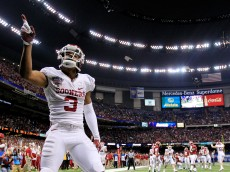 NEW ORLEANS, LA - JANUARY 02: Sterling Shepard #3 of the Oklahoma Sooners celebrates a touchdown against the Alabama Crimson Tide during the Allstate Sugar Bowl at the Mercedes-Benz Superdome on January 2, 2014 in New Orleans, Louisiana.  (Photo by Sean Gardner/Getty Images)
