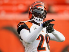 CLEVELAND, OH - DECEMBER 6: Reggie Nelson #20 of the Cincinnati Bengals warms up prior to playing the Cleveland Browns at FirstEnergy Stadium on December 6, 2015 in Cleveland, Ohio. (Photo by Gregory Shamus/Getty Images)