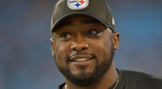 CHARLOTTE, NC - SEPTEMBER 21:  Coach Mike Tomlin of the Pittsburgh Steelers during their game against the Carolina Panthers at Bank of America Stadium on September 21, 2014 in Charlotte, North Carolina.  (Photo by Grant Halverson/Getty Images)